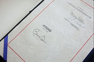300px-Health_insurance_reform_bill_signature_20100323